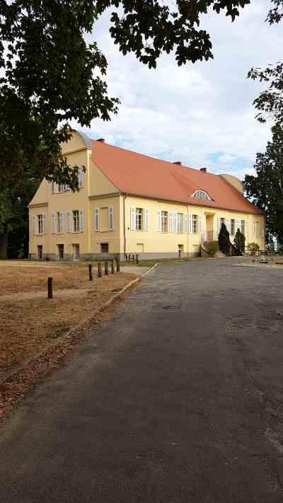 Gutshof Neukladow